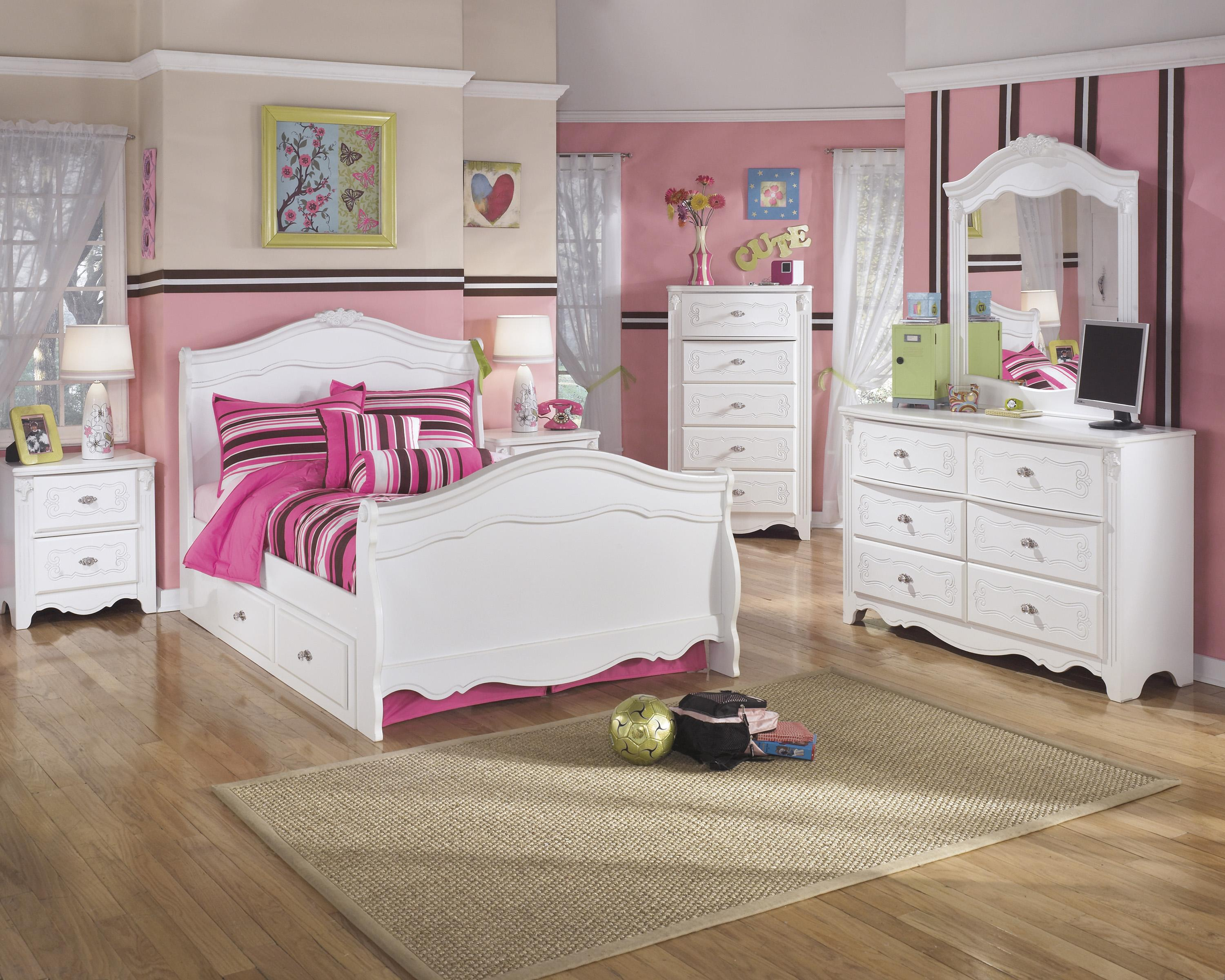 Exquisite Full Bedroom Group by Signature Design by Ashley at Furniture Barn