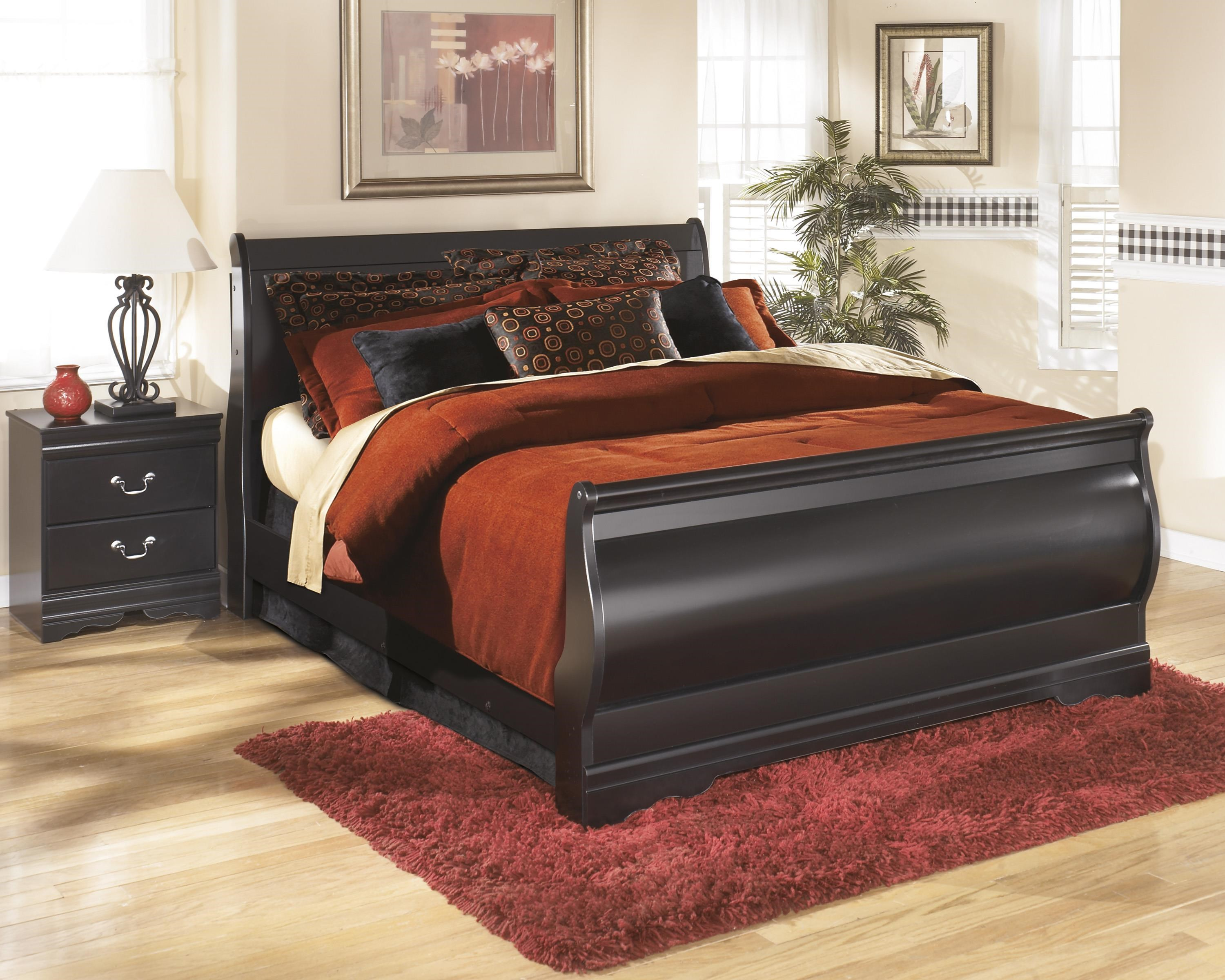 Huey Vineyard Full Sleigh Bed, Nightstand and Chest Packag by Signature Design by Ashley at Sam Levitz Furniture