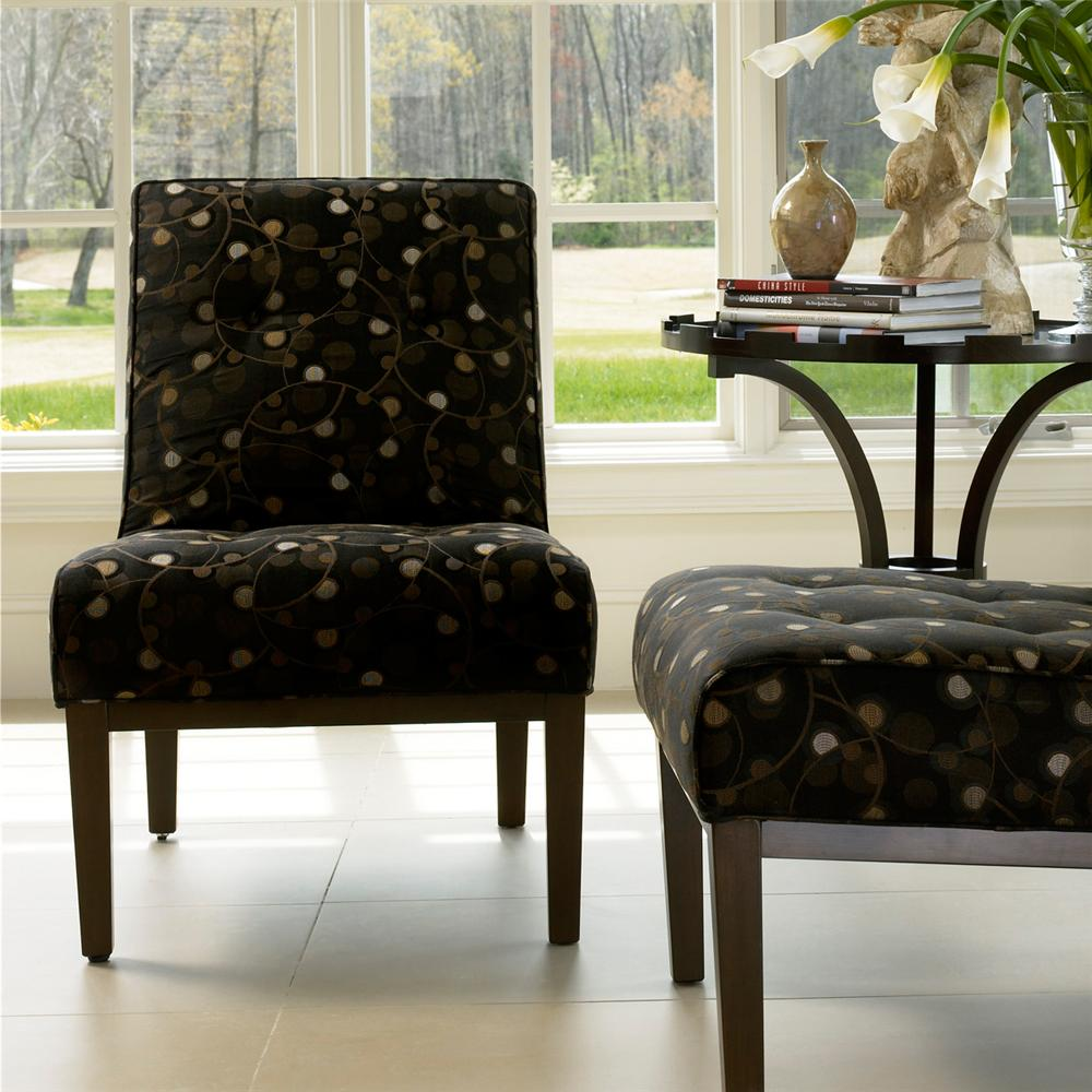 995 Chair by Smith Brothers at Sprintz Furniture