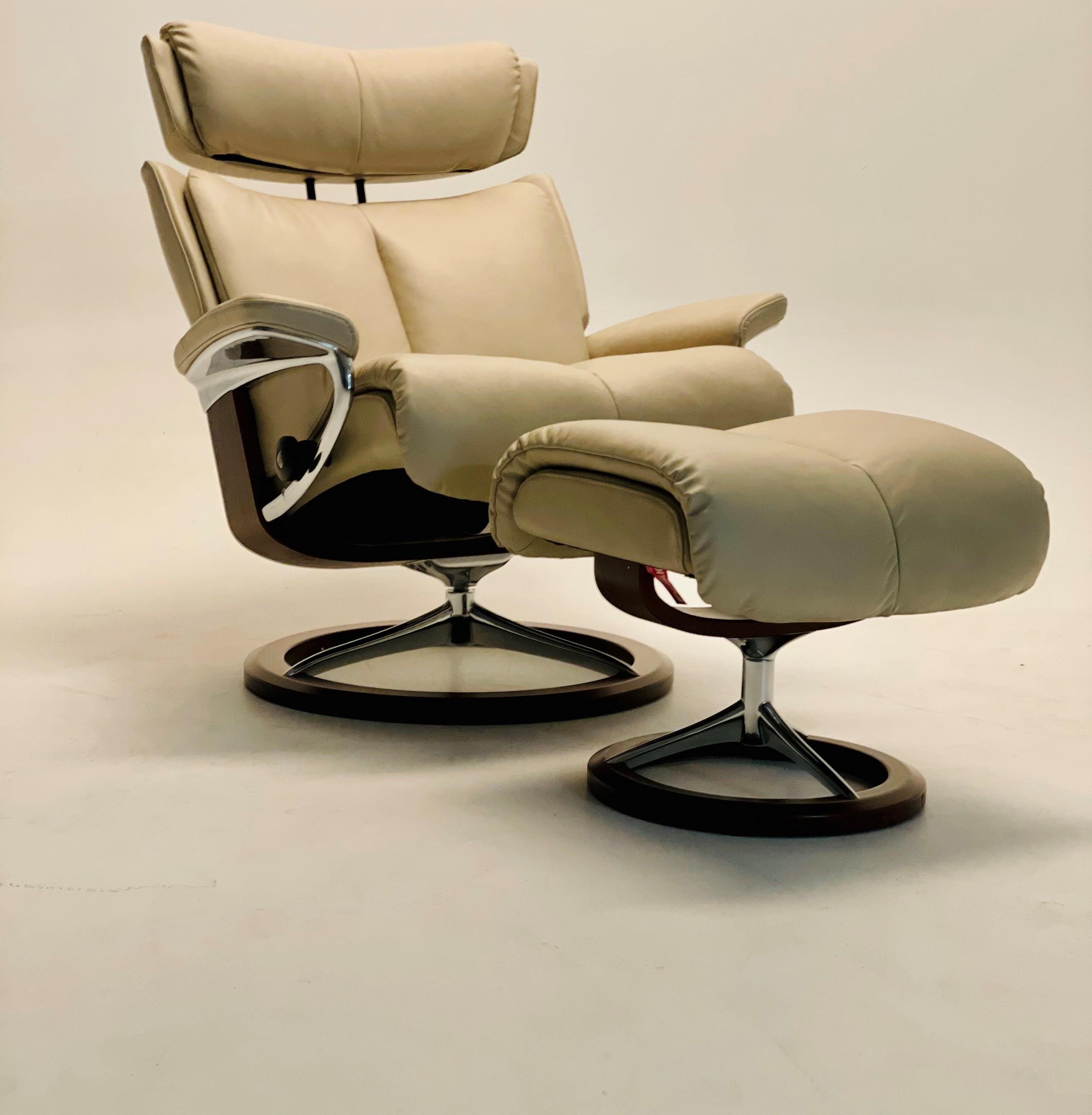 Magic Medium Magic Chair by Stressless at Baer's Furniture