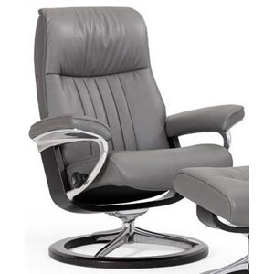 Medium Reclining Chair with Signature Base