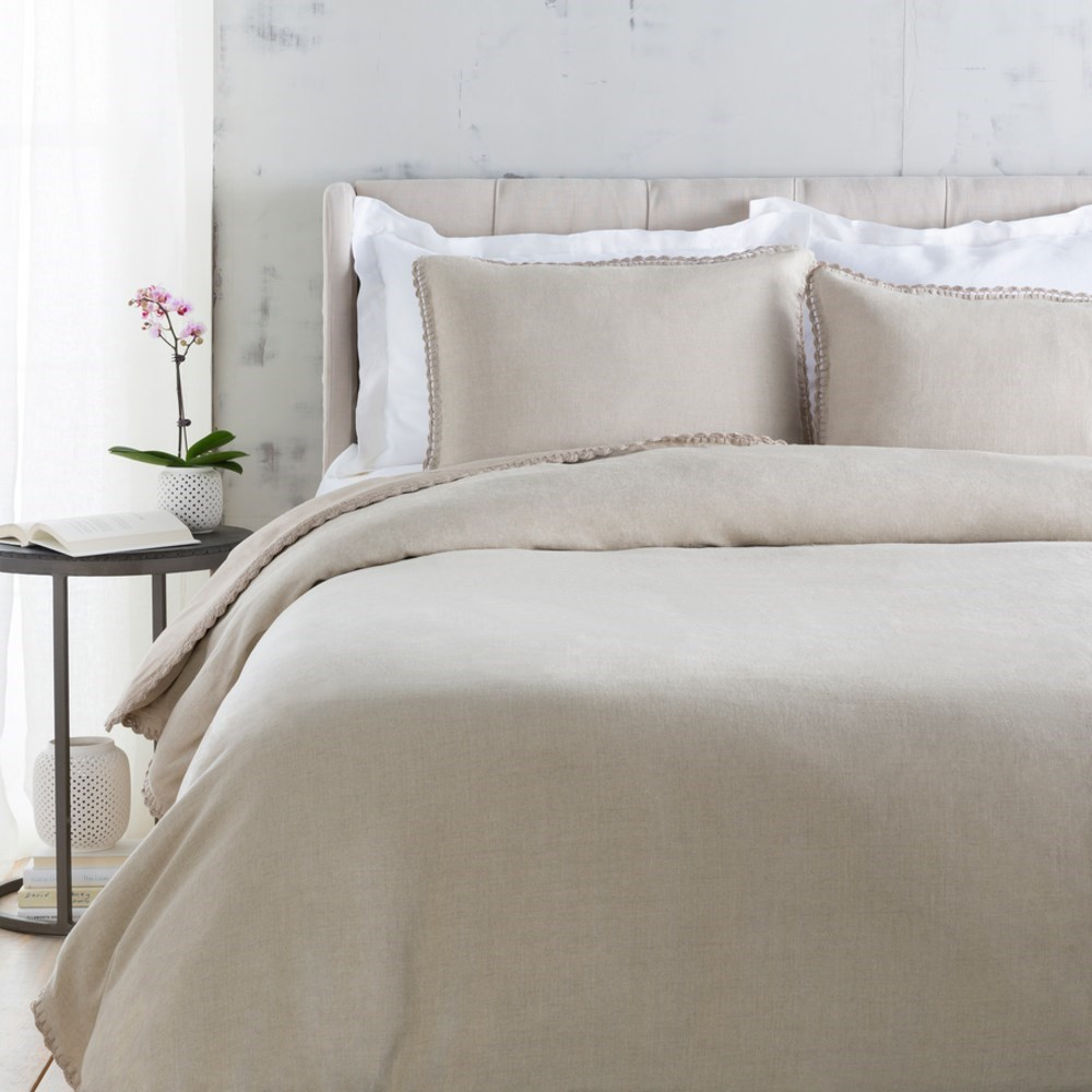 Evelyn Bedding by Surya at Suburban Furniture