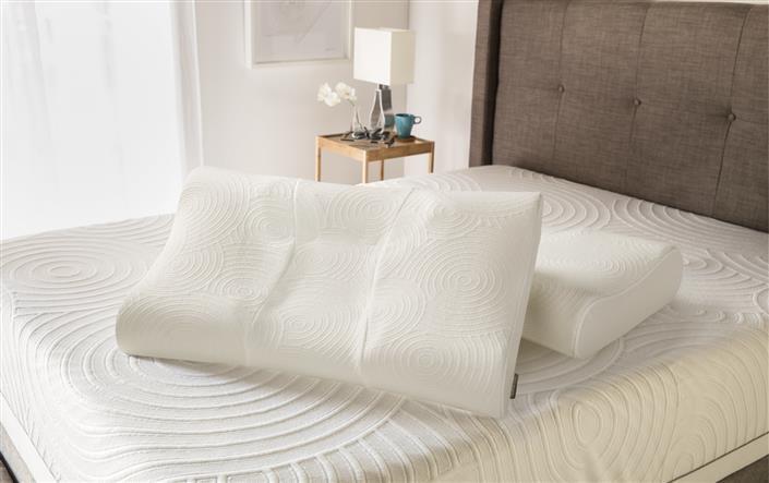 TEMPUR-Protect Pillow Protectors Tempur-Pedic Contour Queen Pillow Protector by Tempur-Pedic® at HomeWorld Furniture