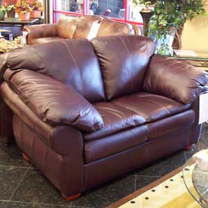 United Leather Churchill Leather Loveseat
