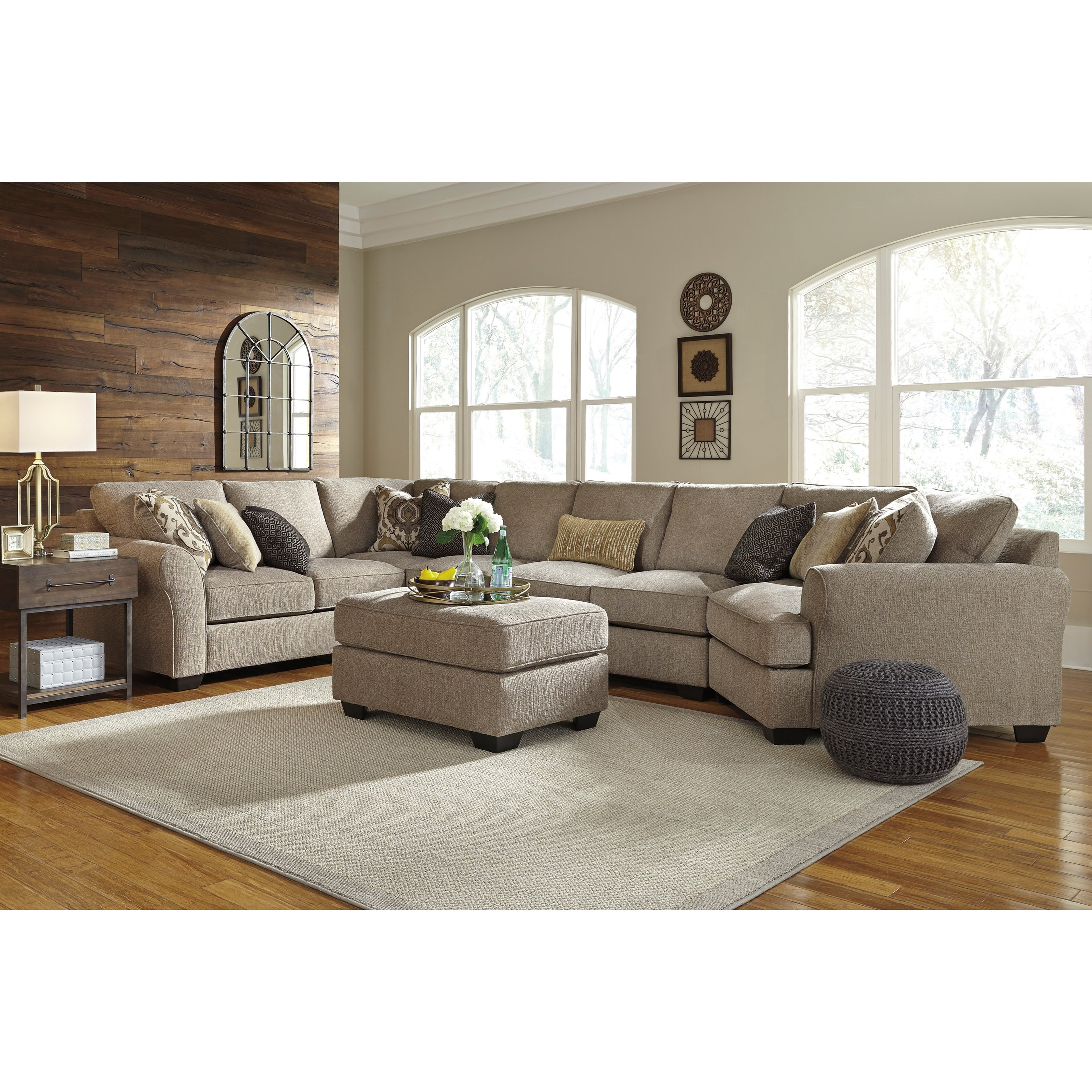 Benchcraft Pantomine 4 Piece Sectional With Right Cuddler