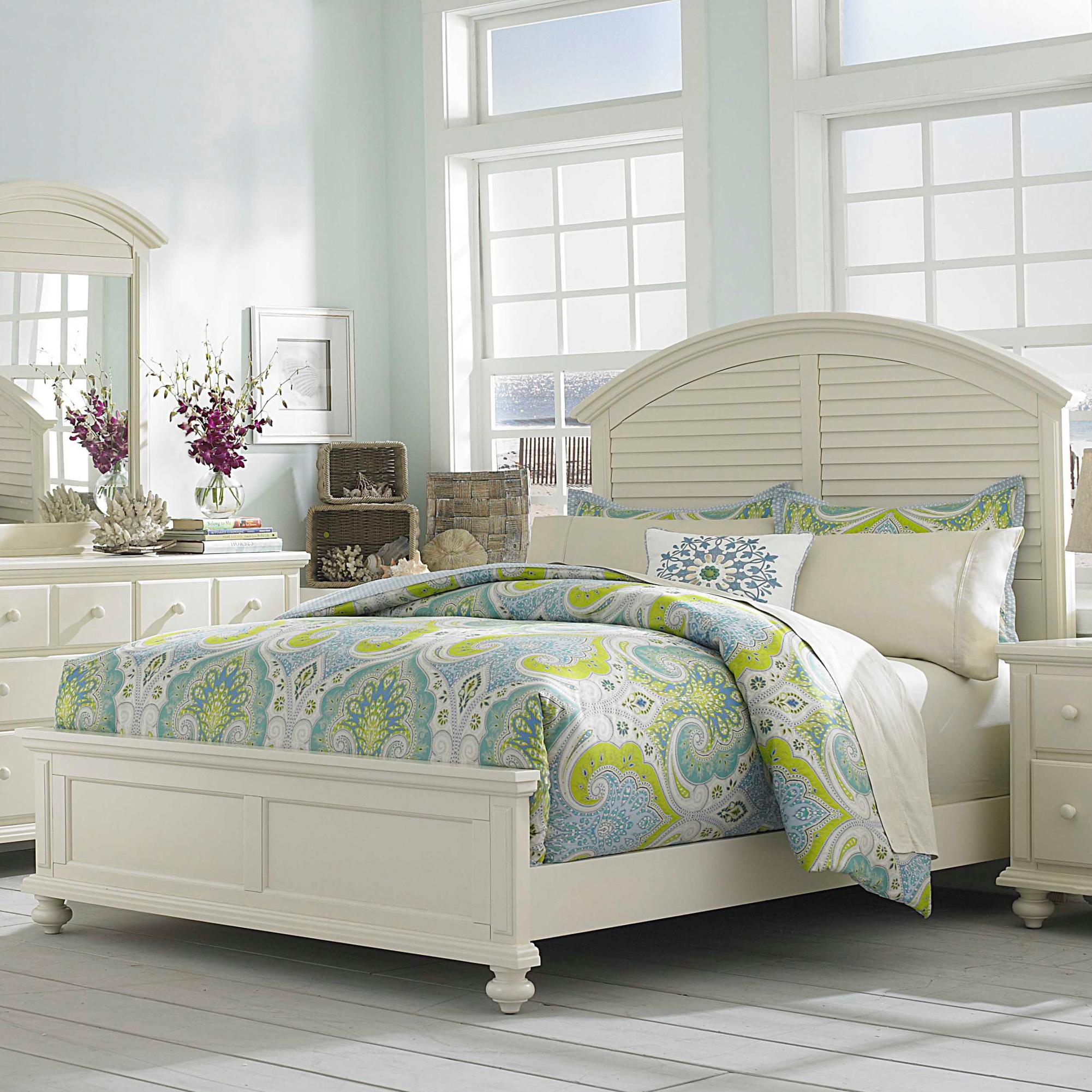 Broyhill furniture seabrooke king panel bed with arched for Panel bed mattress