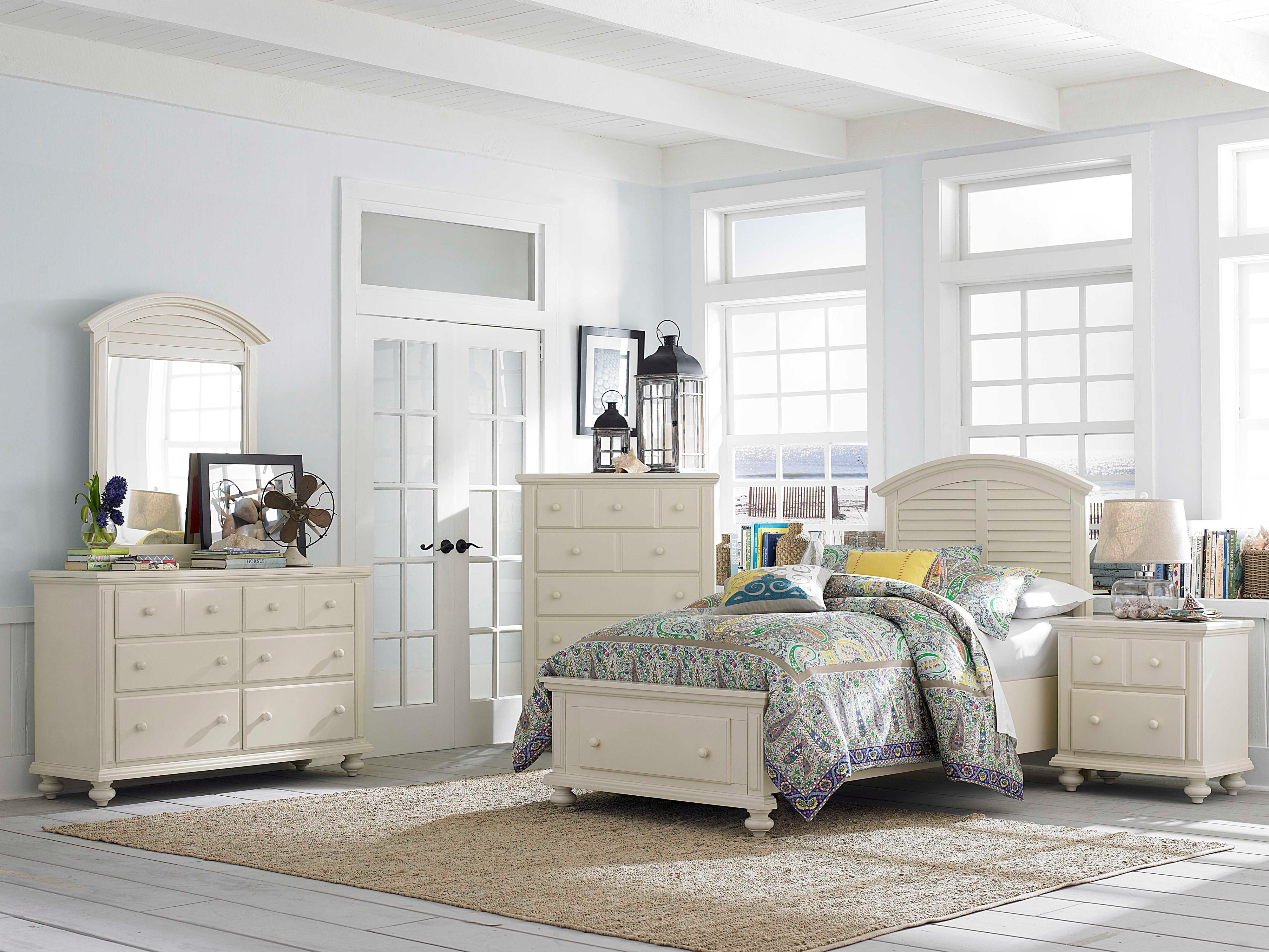 Broyhill furniture seabrooke 4471 292 two drawer for Queen bed against wall