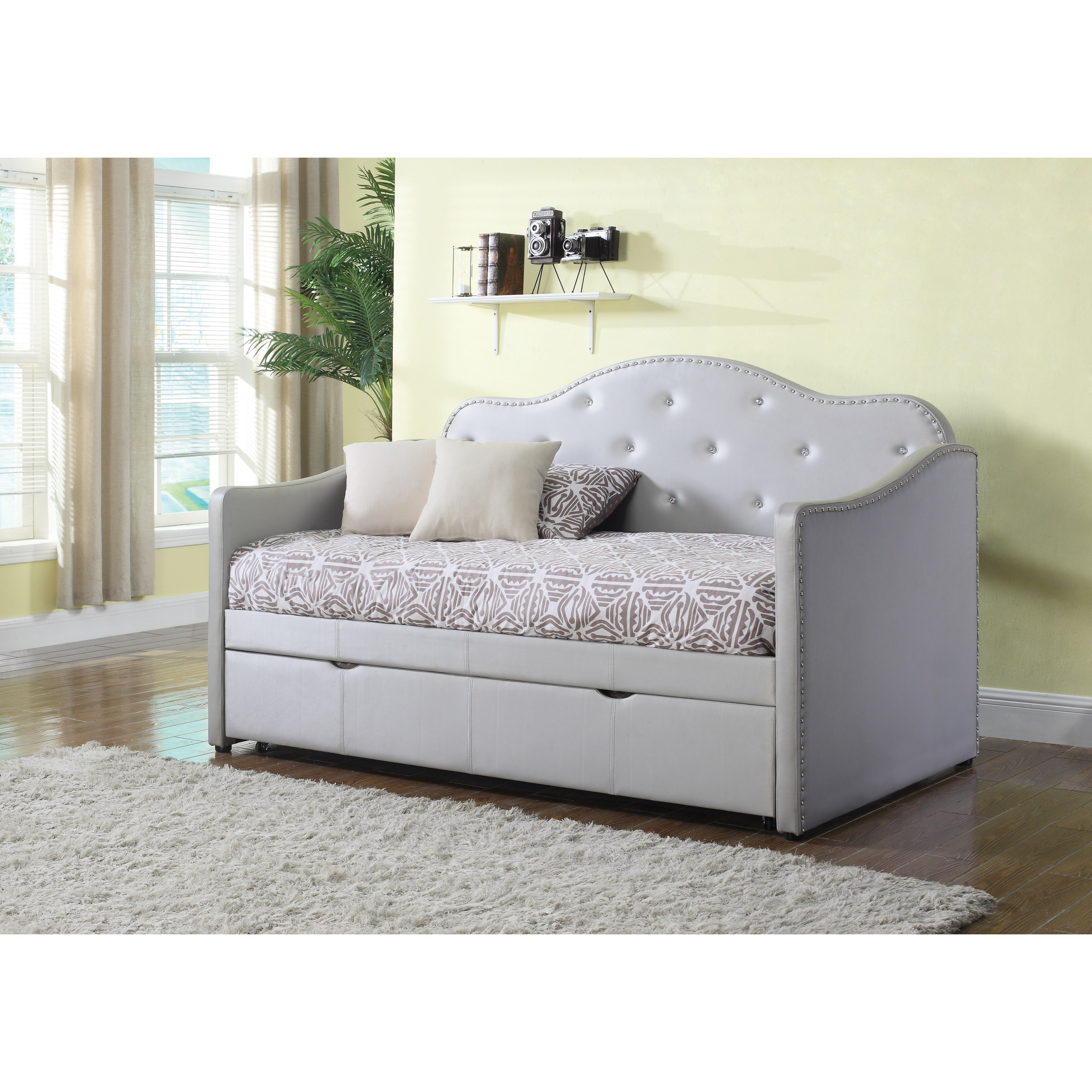coaster daybeds by coaster upholstered daybed with trundle knight furniture mattress daybeds. Black Bedroom Furniture Sets. Home Design Ideas