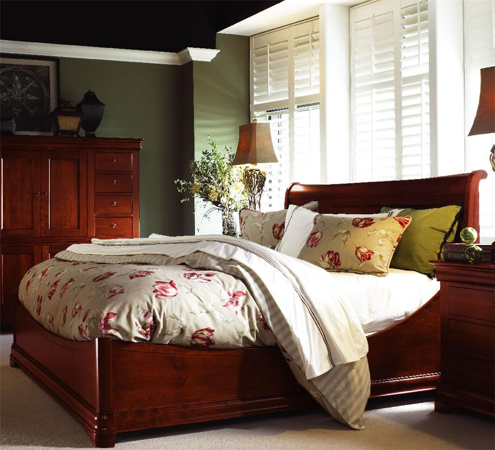 Durham chateau fontaine euro sleigh bed stoney creek for Chateau beds