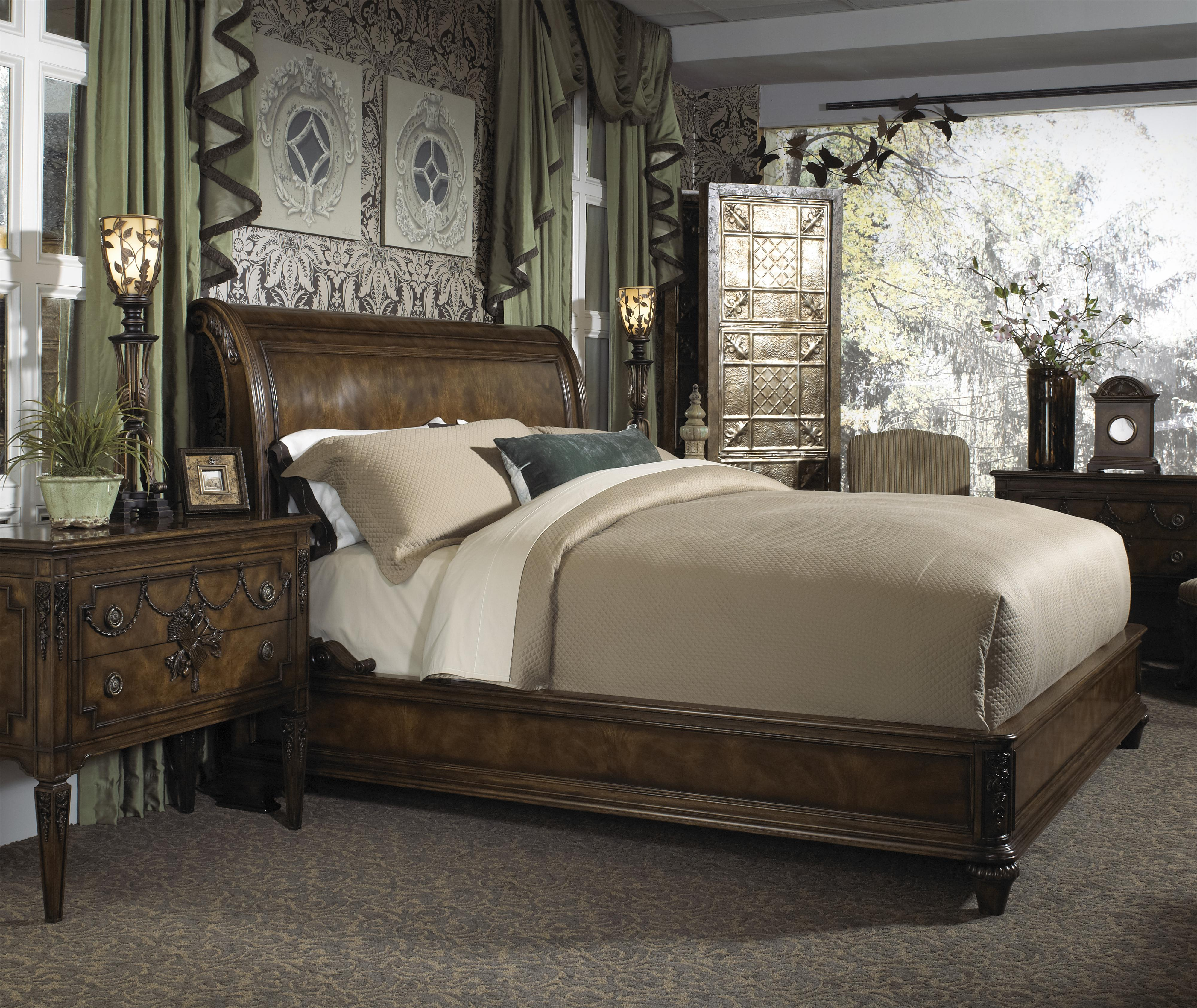 Belvedere king traditional sleigh bed with low profile for King footboard