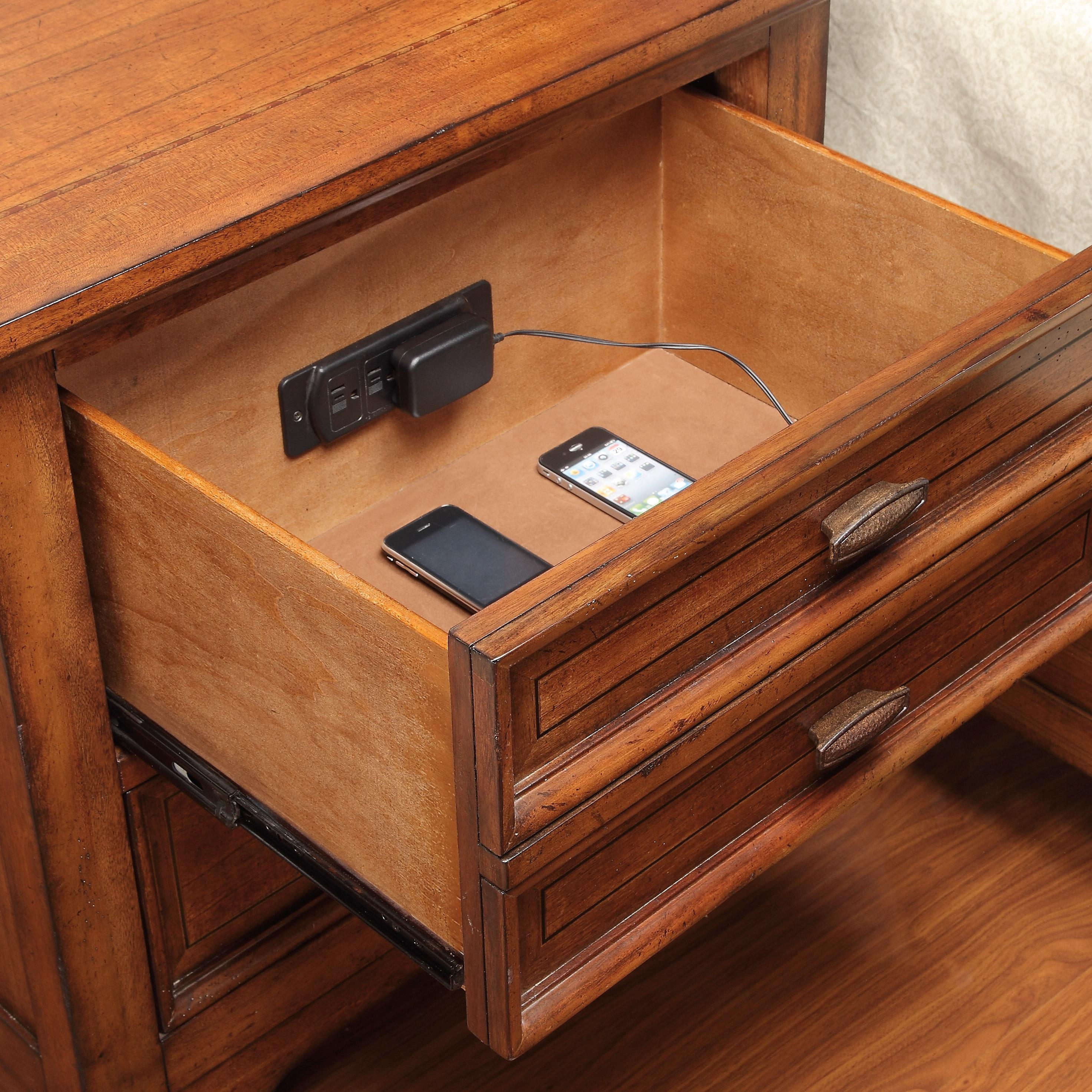 Flexsteel Wynwood Collection River Valley 2 Drawer