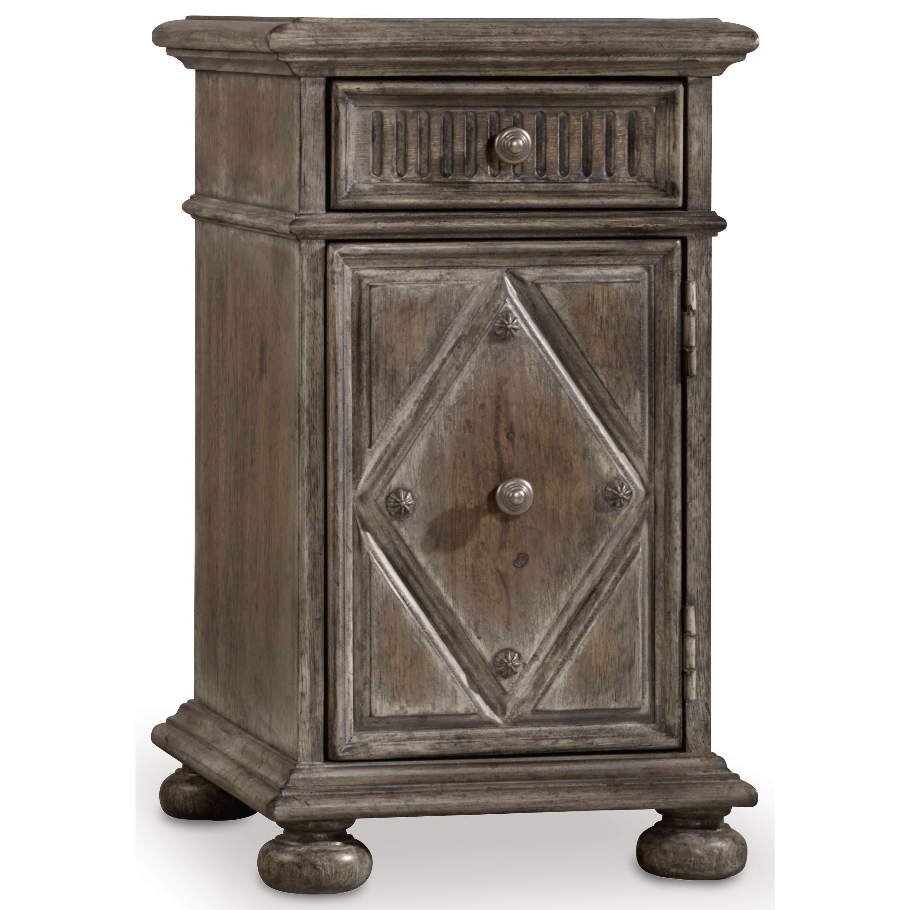 hooker furniture true vintage 5701 80114 chairside table with dovetail drawer dunk bright. Black Bedroom Furniture Sets. Home Design Ideas