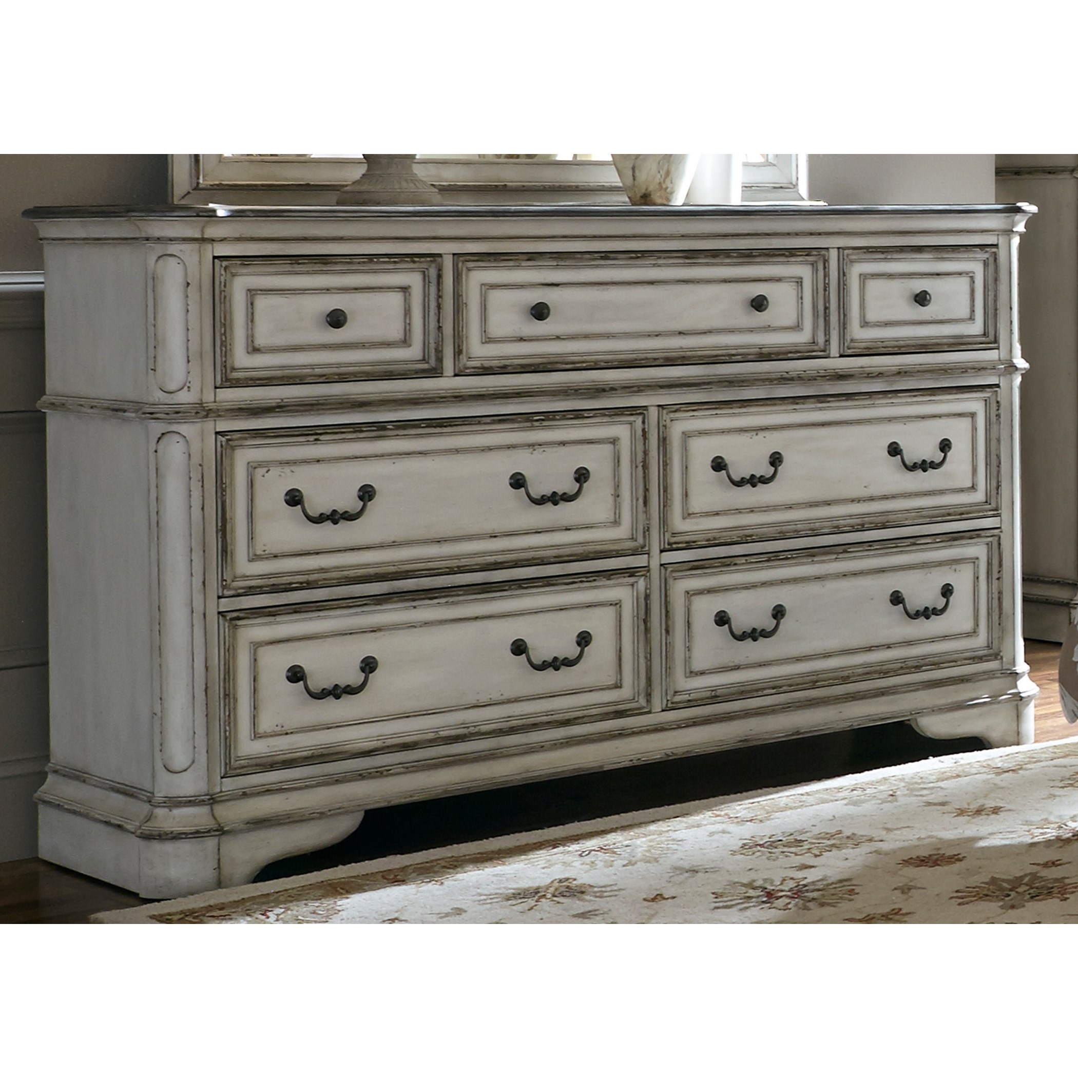 Liberty Furniture Magnolia Manor 244 Br31 7 Drawer Dresser With Felt Lined Top Drawers Great