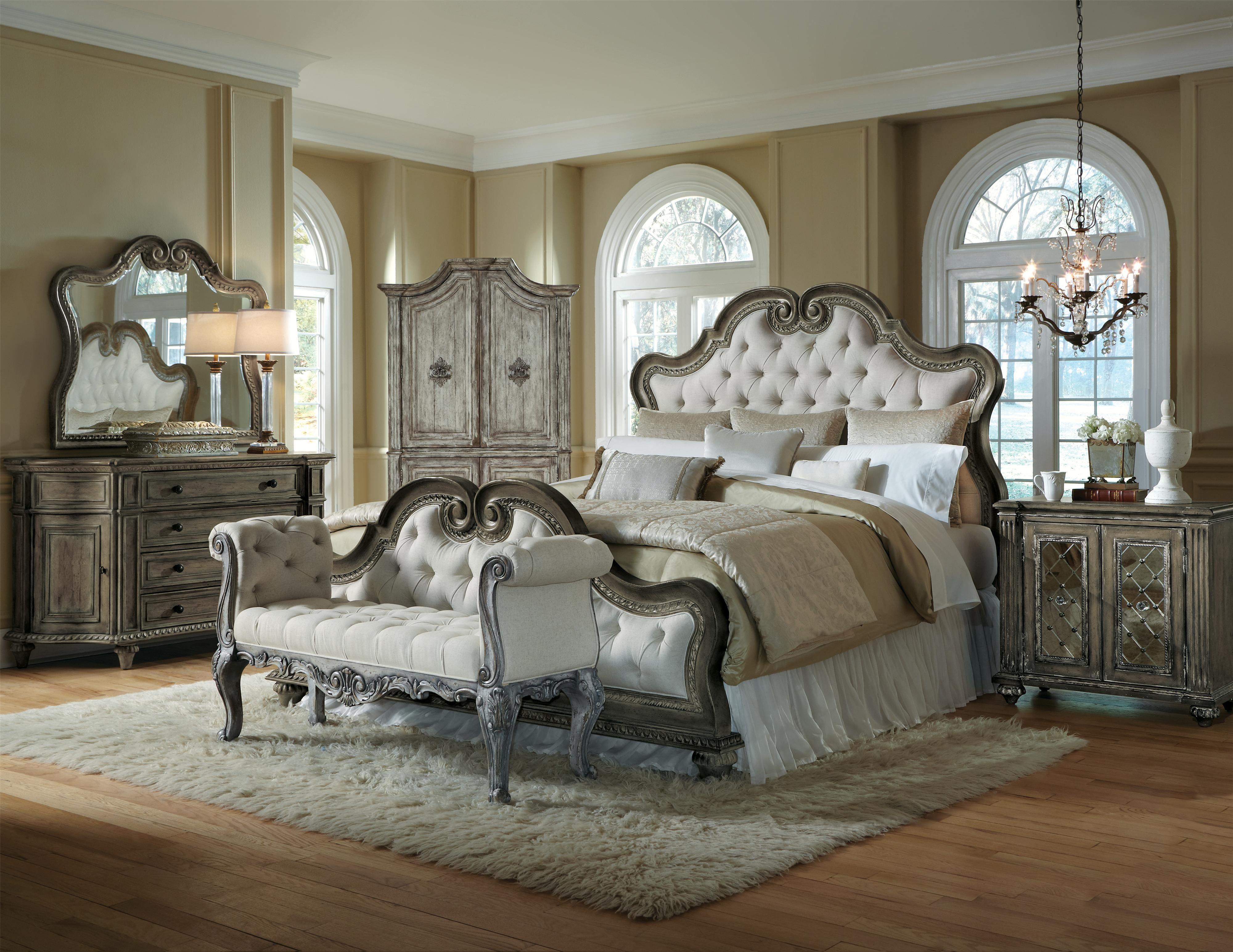 Pulaski Furniture Arabella King Upholstered Bed Darvin