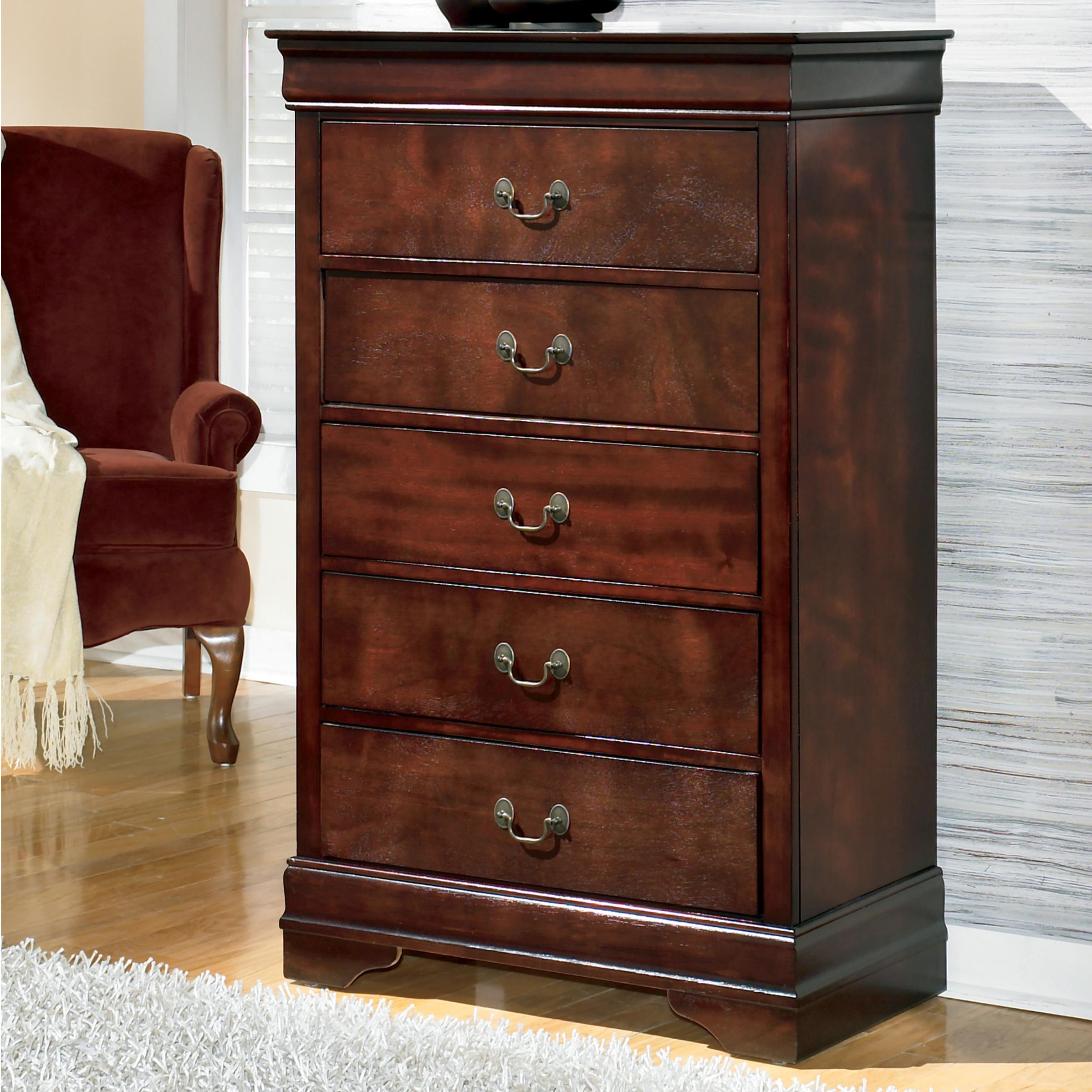 Signature Design By Ashley Alisdair Traditional Chest With