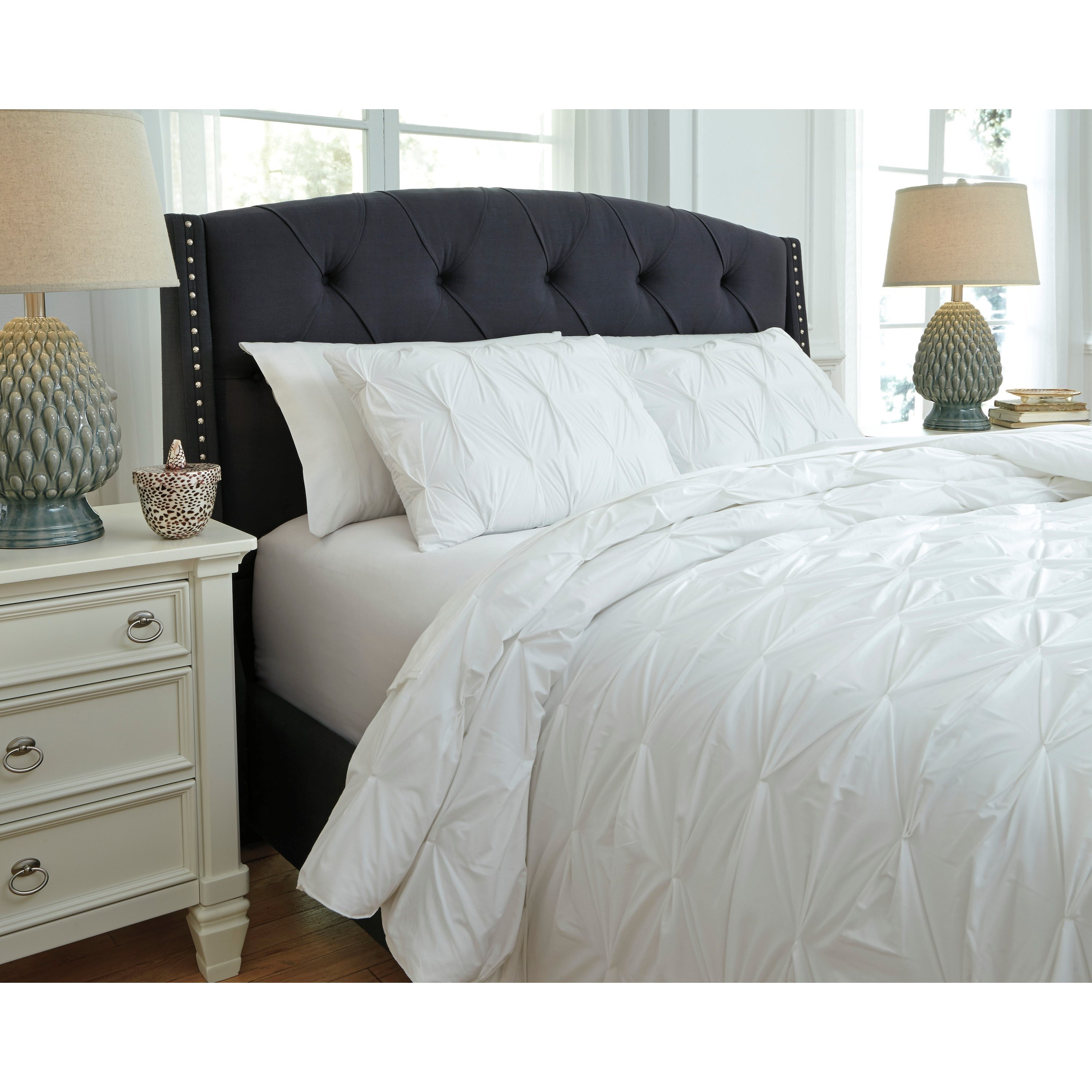 Signature Design by Ashley Bedding Sets Q Q Queen