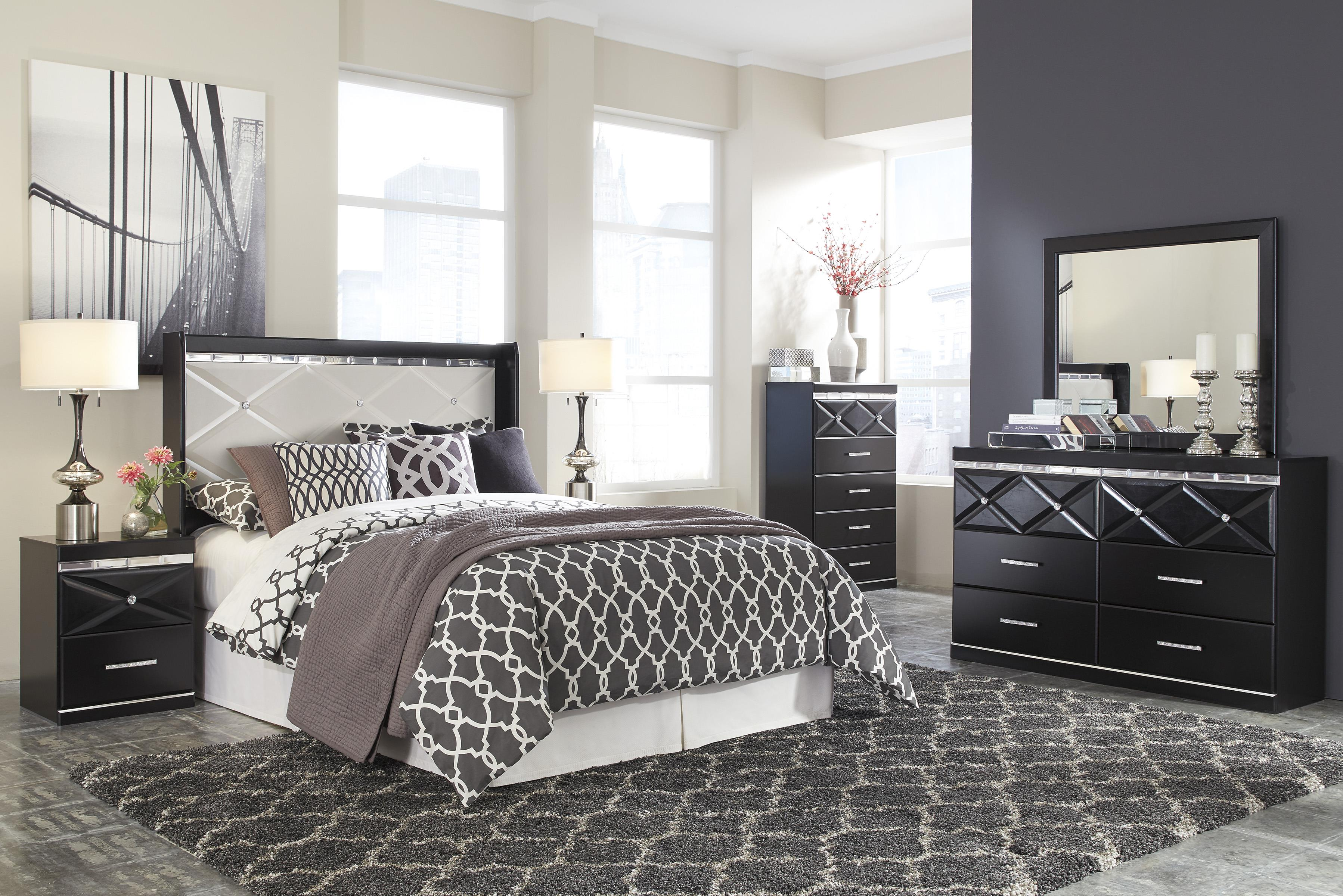 signature design by ashley fancee queen bedroom group beck 39 s furniture bedroom groups. Black Bedroom Furniture Sets. Home Design Ideas
