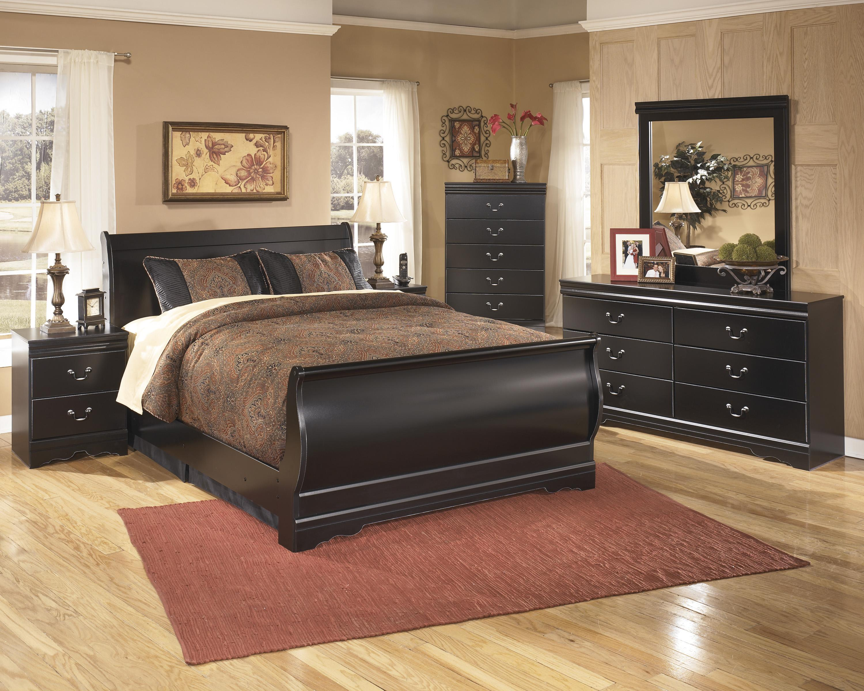 Ashley signature design huey vineyard full bedroom group for Bedroom furniture groups