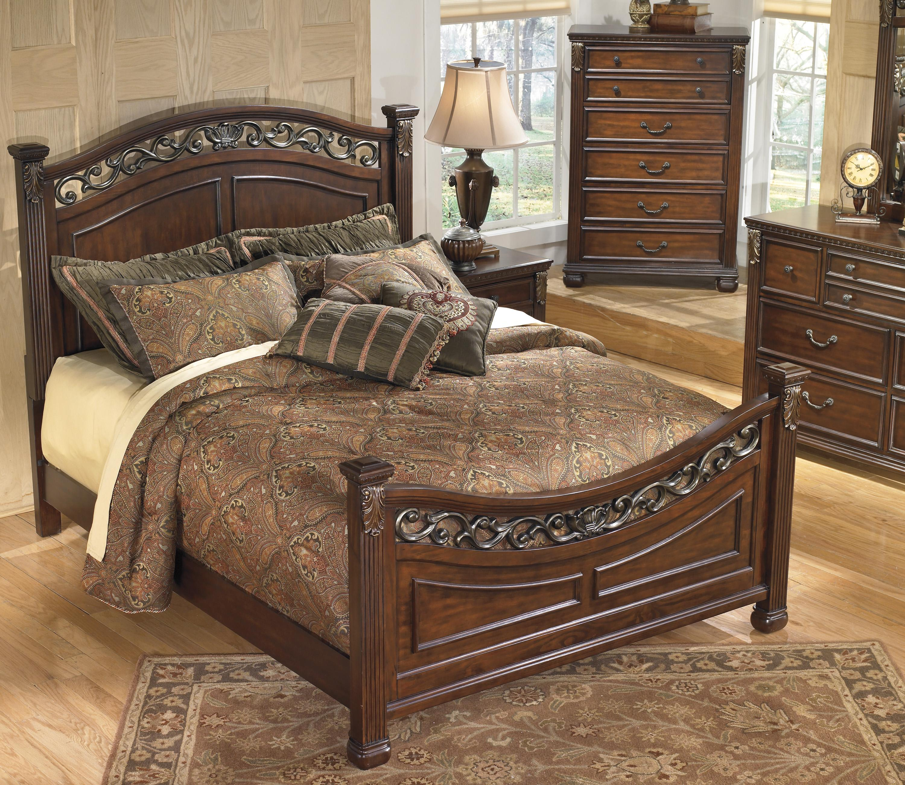Signature design by ashley leahlyn traditional 5 drawer for Bedroom furniture 37027