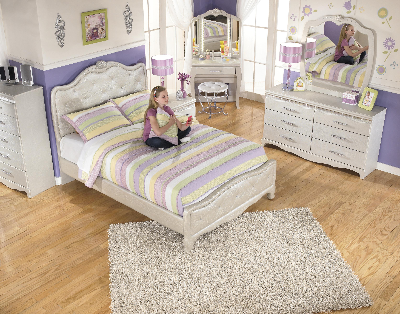 Signature design by ashley zarollina full upholstered bed for Gator bedroom ideas