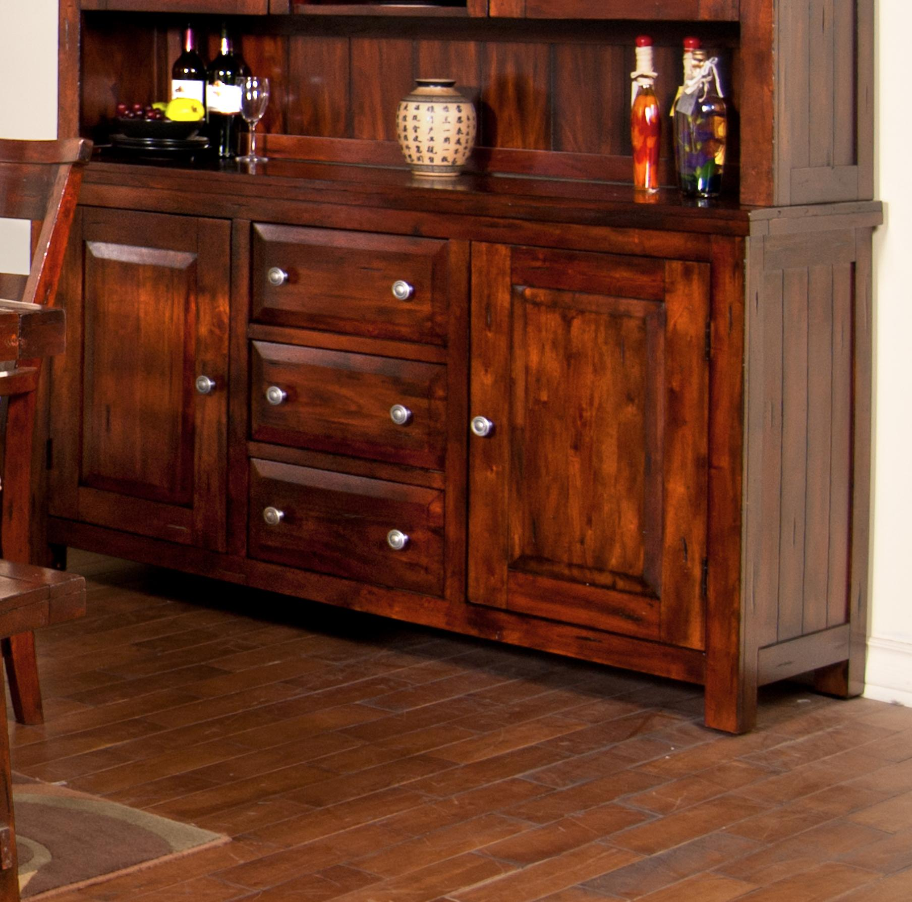 Sunny designs vineyard 2428rm b mahogany buffet john v schultz furniture buffets for Sunny designs bedroom furniture