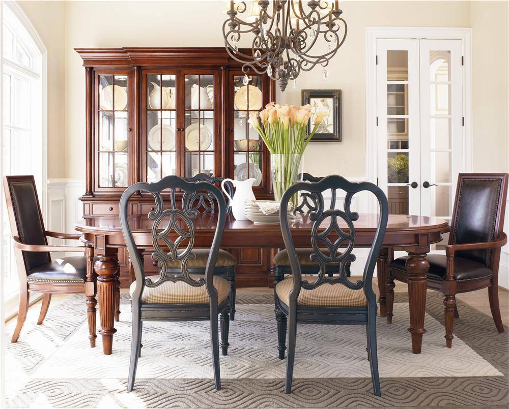 Thomasville Fredericksburg Seven Piece Dining Set With Two 20 Inch Leaves