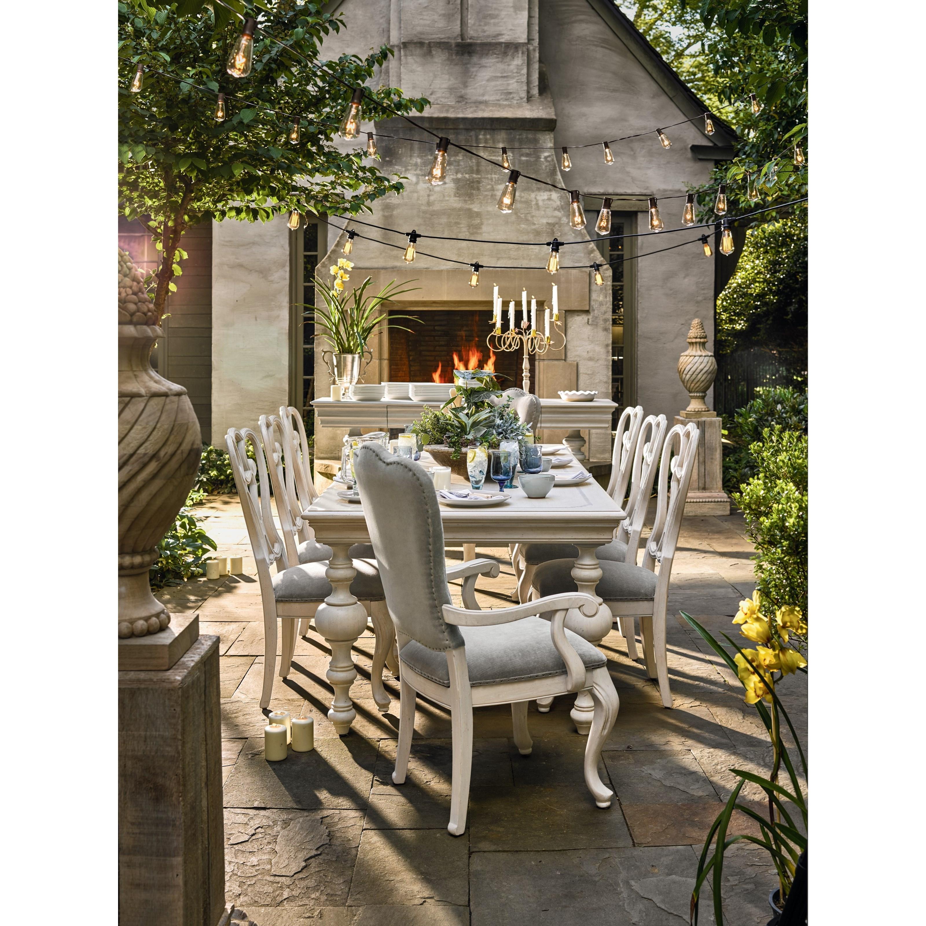 Universal lan traditional formal dining room group with for Traditional formal dining room
