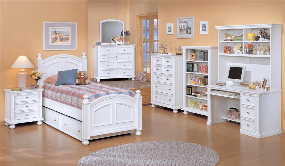 Winners only cape cod youth desk with keyboard pullout for Cape cod style bedroom furniture